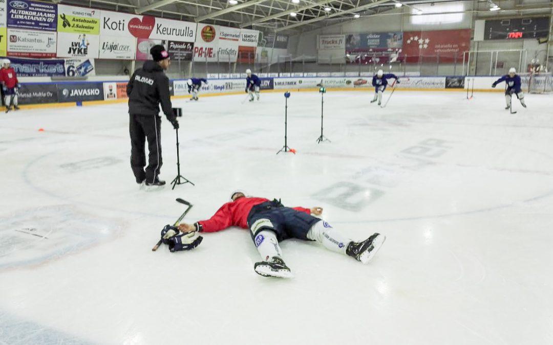 Timo Keuruulla testaamassa ja kouluttamassa